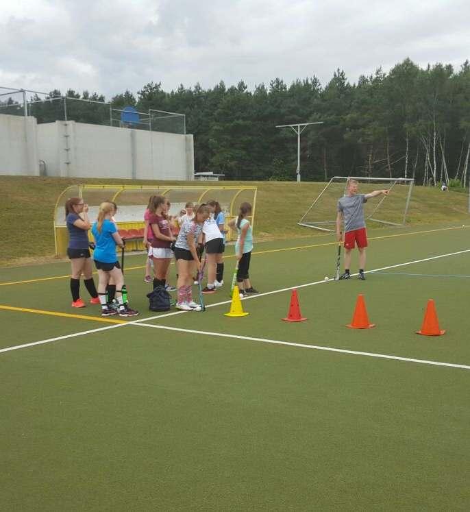 Mädchen B und A - 1. FCK Hockey Sommercamp 2016