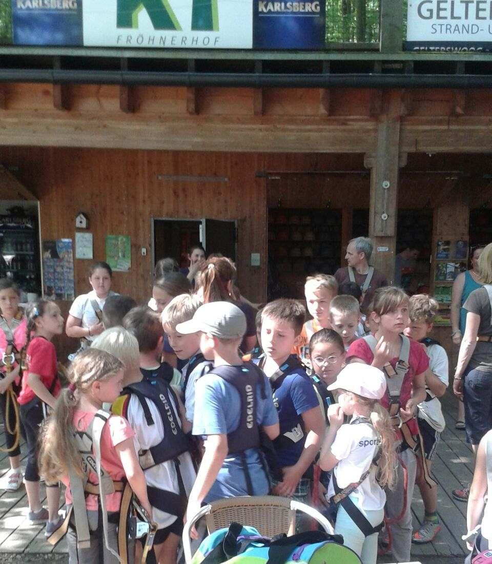 Aktion Kletterpark - 1. FCK Hockey Sommercamp 2016