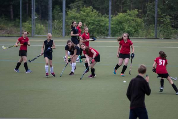1. FCK Hockey - Mädchen A in Aktion