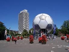 WM 2006 Fußball-Globus in Kaiserslautern - Foto: KLinform
